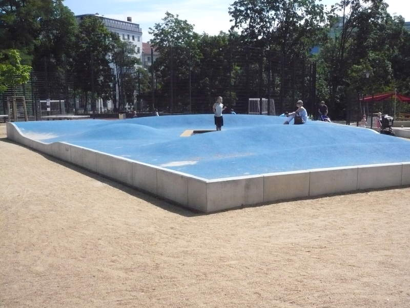 Spielplatz Im Volkspark Am Weinberg